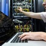 Do decentralised web programs use as much energy as cloud-based services?